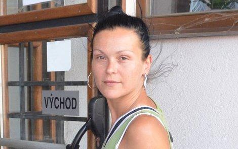 Samoživitelka Pavlína Vlková si včera přišla vyslechnout rozsudek. S verdiktem spokojena ale není.
