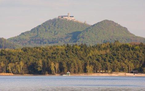 U Máchova jezera se opět konal hudební festival.
