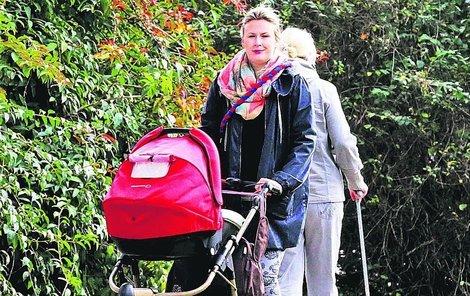 Tereza byla po porodu s malou Laurou nějakou dobu u matky.