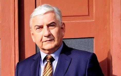 Miroslav Donutil získal pro další díly nového krejčího.