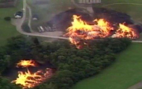 Skladiště se proměnilo v ohnivé peklo.