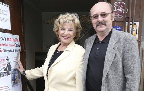 Libuše Švormová (80) a Jan Patera (62). Jsou spolu. 18 let rozdíl.