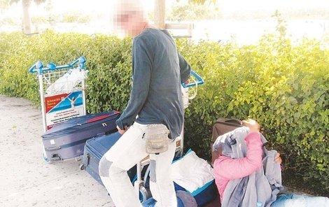 Matka s dcerou žijí na letišti a v jeho okolí od loňského srpna.