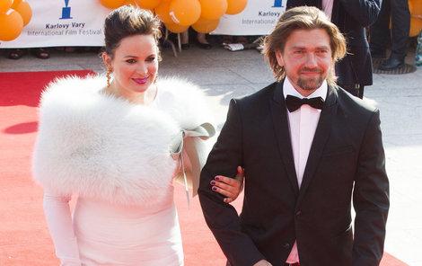 Jitka Čvančarová se opět touží obléknout do bílých šatů...