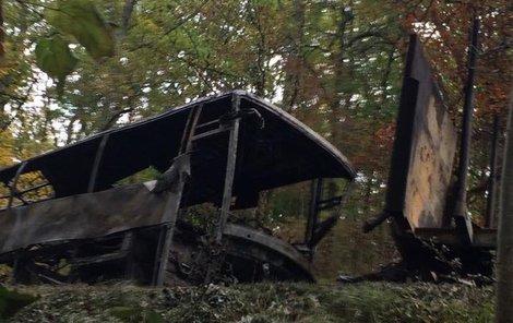 Čelní srážka autobusu s kamionem dopadla tragicky