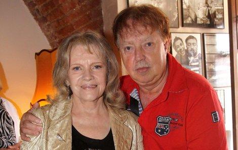 Eva Pilarová našla štěstí až u třetího manžela, Jana Kolomazníka.