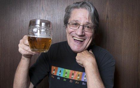 Většinu svých vtipů vymyslel Jan Vyčítal u piva!
