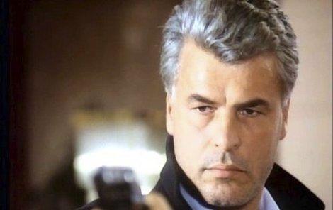 Nezapomenutelný Corrado Cattani v seriálu Chobotnice