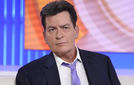 Žalobu už chystá nejméně šest žen, které tvrdí, že jim americký herec neřekl, že je HIV pozitivní.