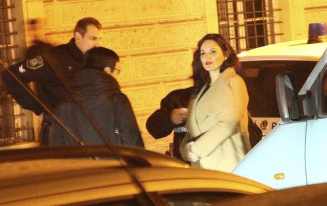 PRAHA-MALÁ STRANA, ÚTERÝ, 22:50 Herečka musela večer platit pokutu za špatné parkování
