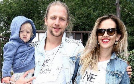 Tomáš Klus s rodinou