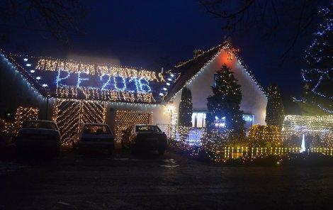 Letos rozzaří dům v Chotovicích rekordní počet světel.