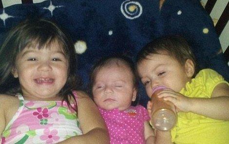 Žena zabila své tři krásné dcerušky.