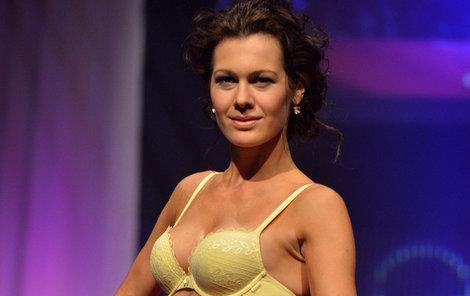 Jana Doležalová (34), Miss ČR pro rok 2014, prádélko miluje.