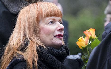 Na pohřeb Jiřího Melíška přišla kamarádka Bára Štěpánová.