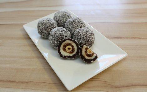Nepečené kokosové koule chutnají skvěle!