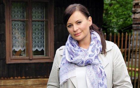 Jitka v posledních týdnech zářila v seriálu České televize Doktor Martin, v němž ztvárnila učitelku Lídu Klasnovou.
