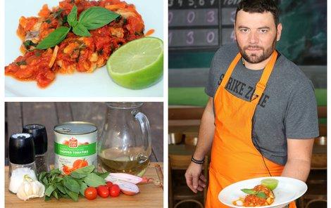 Šéfkuchař Michal vaří amura v tomatové omáčce.