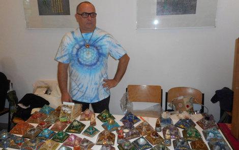 Ivan Benetin vyrábí orgonity různých tvarů a velikostí. Koupit si je můžete například na Astrovíkendu.