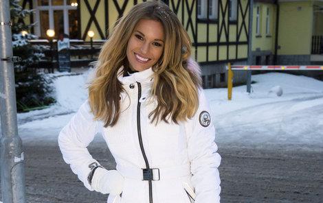Petra Svobodá má v zimě ráda bílé a teplé oblečení.