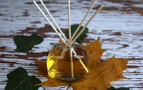 Provoňte si byt pomocí domácího parfému.