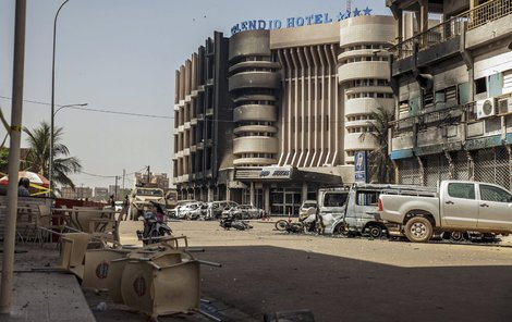 Tak vypadal hotel po útoku islamistů.