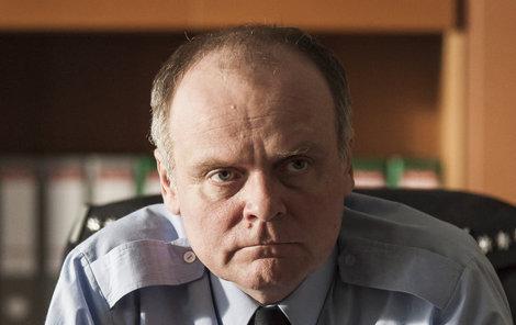 """Igor Bareš ztvárňuje v Případech 1. oddělení dle jeho slov """"kancelářskou krysu""""."""