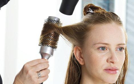 Vlasy sušte s opatrností!