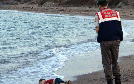 Utopený Ajlan dojal celý svět.