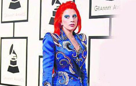 Lady Gaga se zase vyparádila...