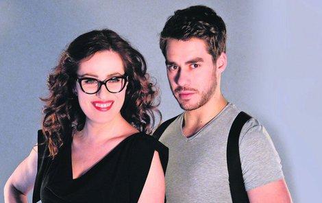 Soňa Norisová a Patrik Děrgel jako spisovatelka Klaudie Wolfová a kapitán Tomáš Beran.
