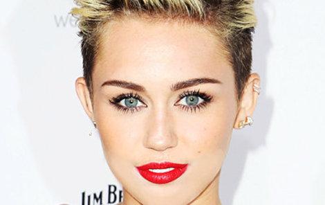 Miley Cyrus se zase předvedla...