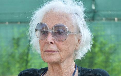 Herečka už rok pobývá v Alzheimercentru v Průhonicích u Prahy.