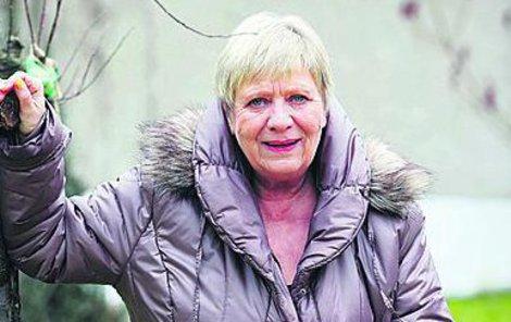 Jaroslava Obermaierová nyní odpočívá po operaci na své chalupě.