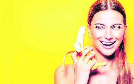 Když porovnáte banán sjablkem, má vsobě čtyřnásobně více proteinů, dvojnásobně více uhlohydrátů, třikrát víc fosforu, pětkrát více vitaminu Aaželeza advojnásobek jiných vitaminů aminerálů.