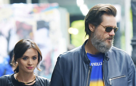 Carrey s expřítelkyní  Cathriona White, která se loni předávkovala.
