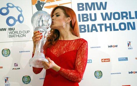 Velký křišťálový glóbus získala za celkové prvenství ve Světovém poháru biatlonistů.