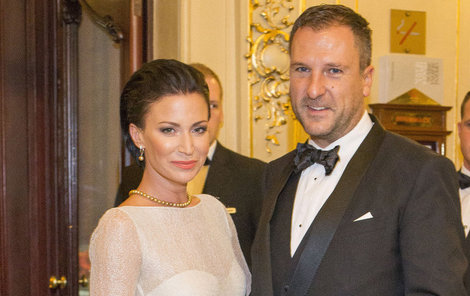 S manželem Danielem na Plese v Opeře.
