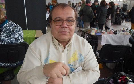 Pavel Němec pracuje s kartami i kyvadlem, ale také pomáhá ženám, které mají potíže s početím.