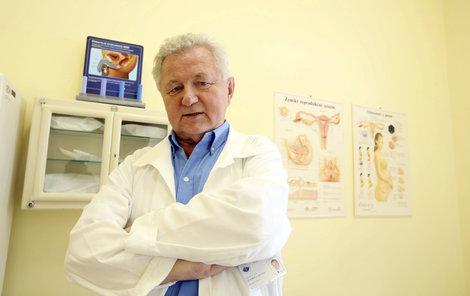 Sexuolog Jaroslav Zvěřina sexuální pomůcky schvaluje.