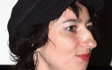 Simona Babčáková sice hraje v televizních seriálech, pravidla televizí ale nerespektuje.
