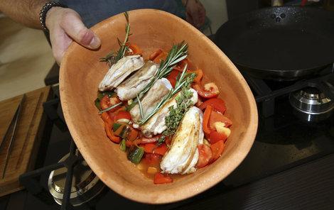 Králičí hřbet se zeleninou.