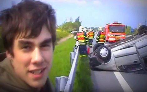 Patrik byl po nehodě vysmátý.