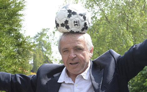 Ladislav Vízek to s míčem pořád umí. Jak na tom bude s tancem?