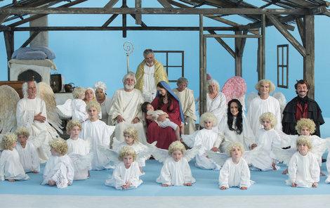 Všichni herci se sešli při poslední klapce Anděla Páně 2.