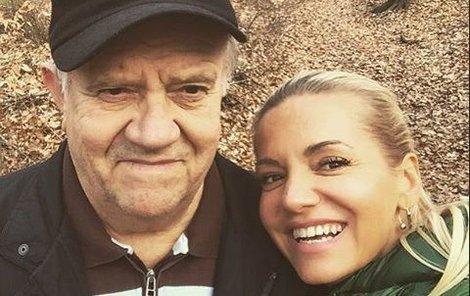 Dara Rolins přišla o milovaného tatínka.