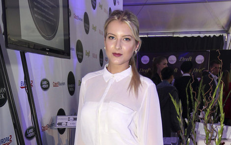 Modelka Jitka Nováčková má bílou také ráda.