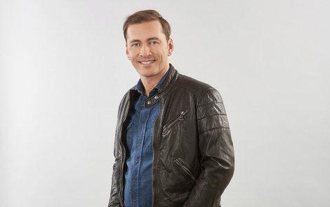Petr Vondráček účinkuje v show Tvoje tvář má známý hlas.