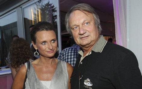 Jiřího Adamce a jeho ženu Janu teď čeká zařizování nové luxusní rezidence.