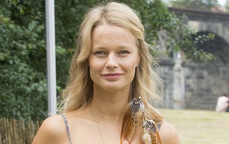 Helena Houdová se fanouškům pochlubila, že bude sexuální kněžkou.